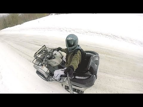 Four wheeler ripping !!! (on closed roads)